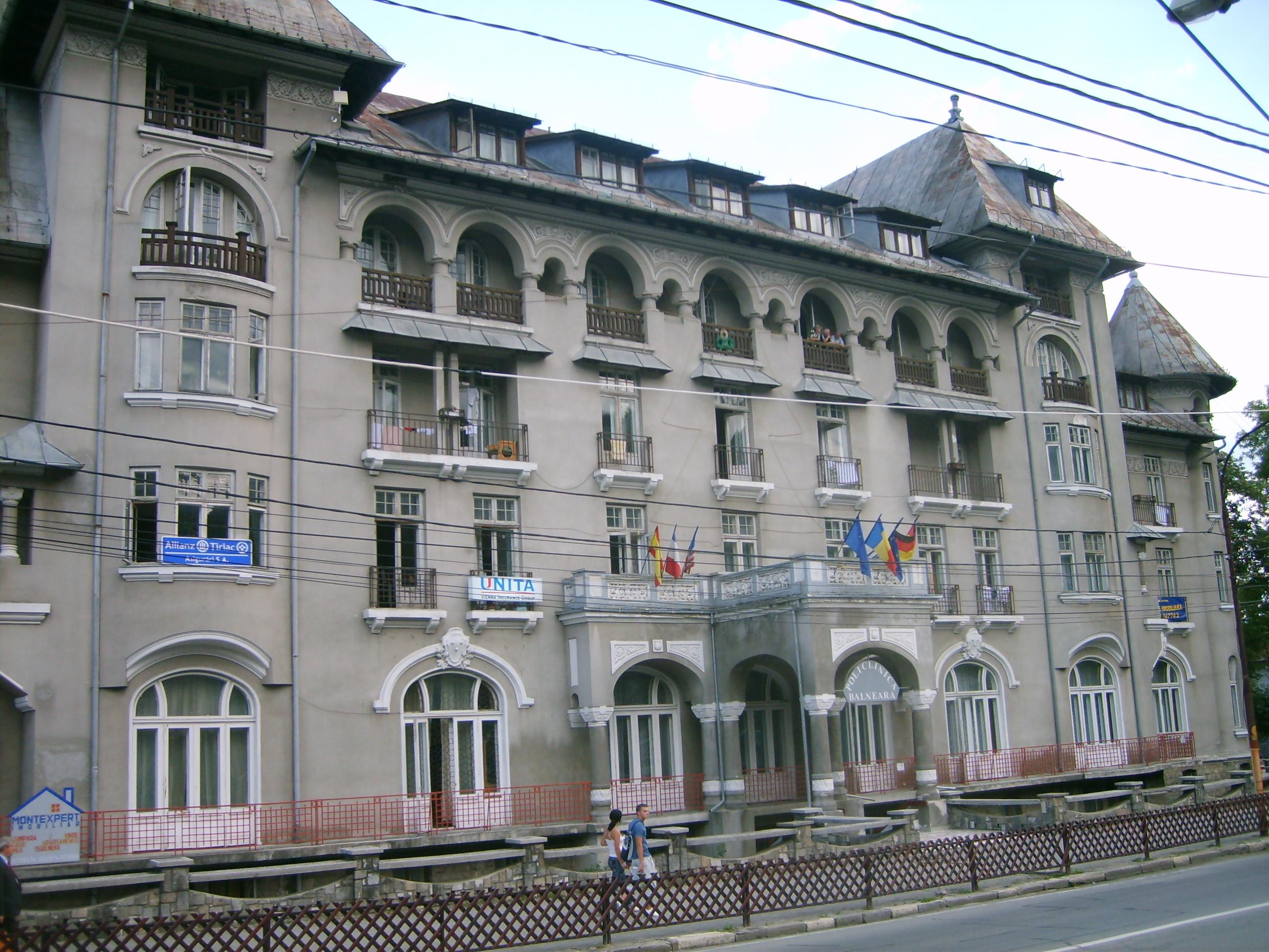 Hotel Păltinis din Sinaia este fostul Sanatoriu Militar si primul loc de cantonament din istoria clubului
