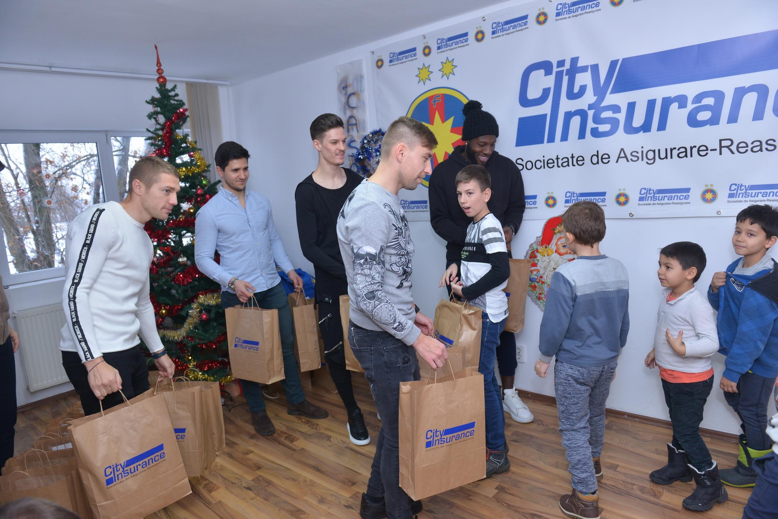 Cadouri de Crăciun la Casa Speranței!
