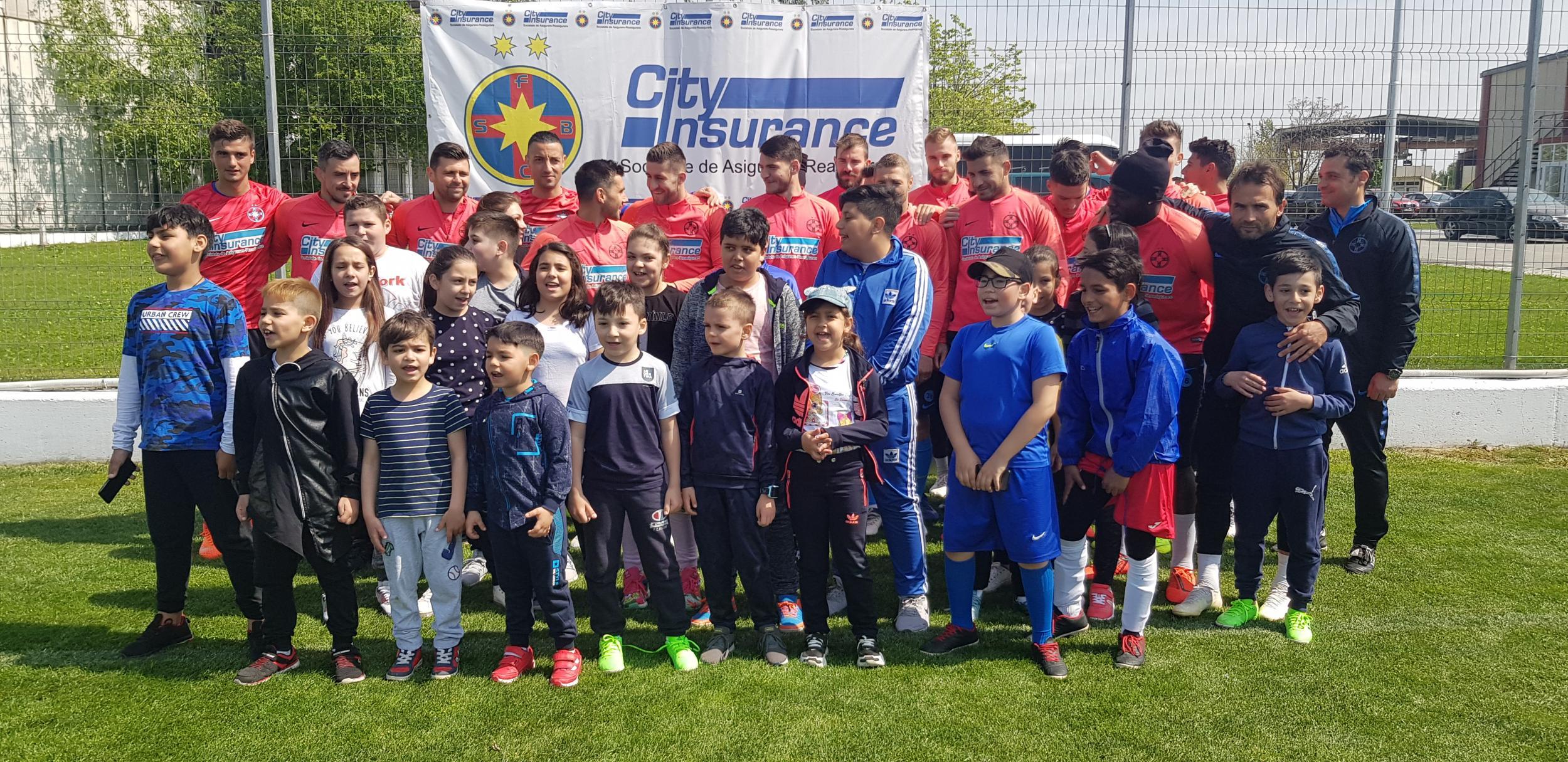 """Copiii de la """"Casa Speranței"""", în vizită la Baza Sportivă FCSB!>"""