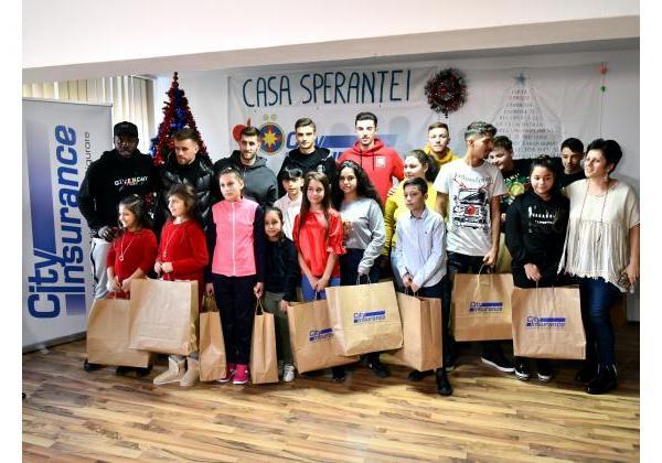 Cadouri pentru copiii de la Casa Speranței!